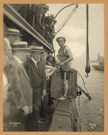 Harry Houdini preparing for an escape stunt