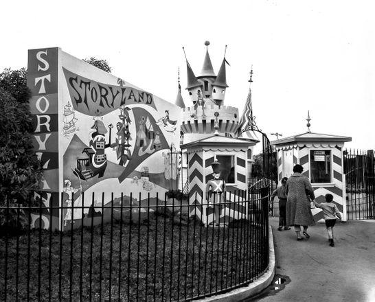 Storyland Entrance at the Zoo   X6865_1