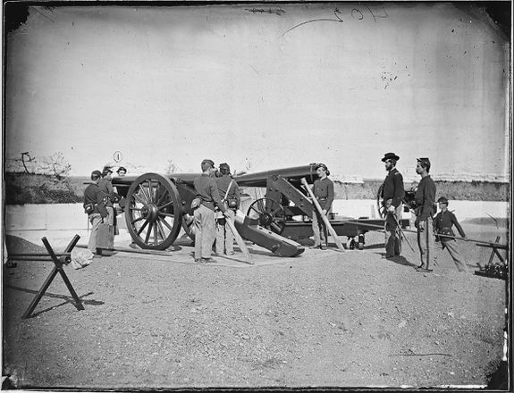 Artillery drill in Fort, defenses of Washington
