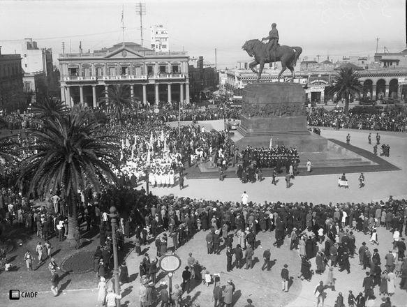 5928: Plaza Independencia. Año 1932.