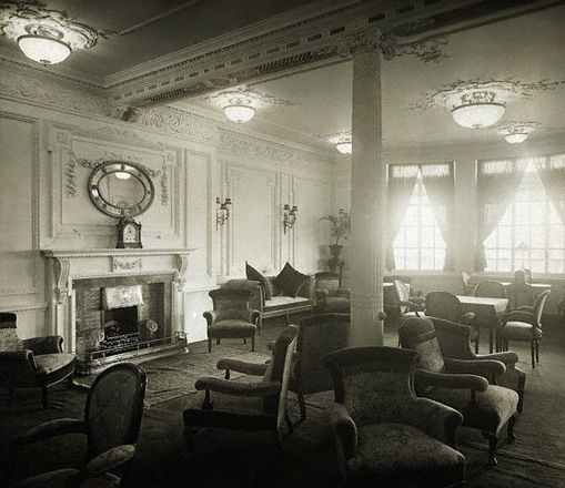 Titanic, first class reading room