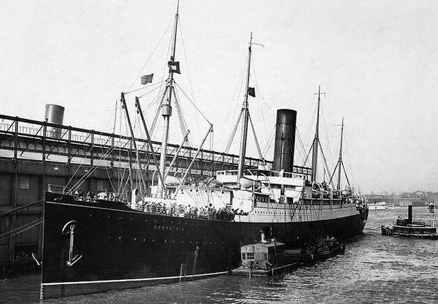SS Carpathia in New York with Titanic survivors
